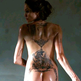 http://www.tattoo-tatouages.com/wp-content/uploads/2010/02/angelina-jolie-nue-tatoo-fesses.jpg