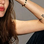 Angelina Jolie tatouage XIII
