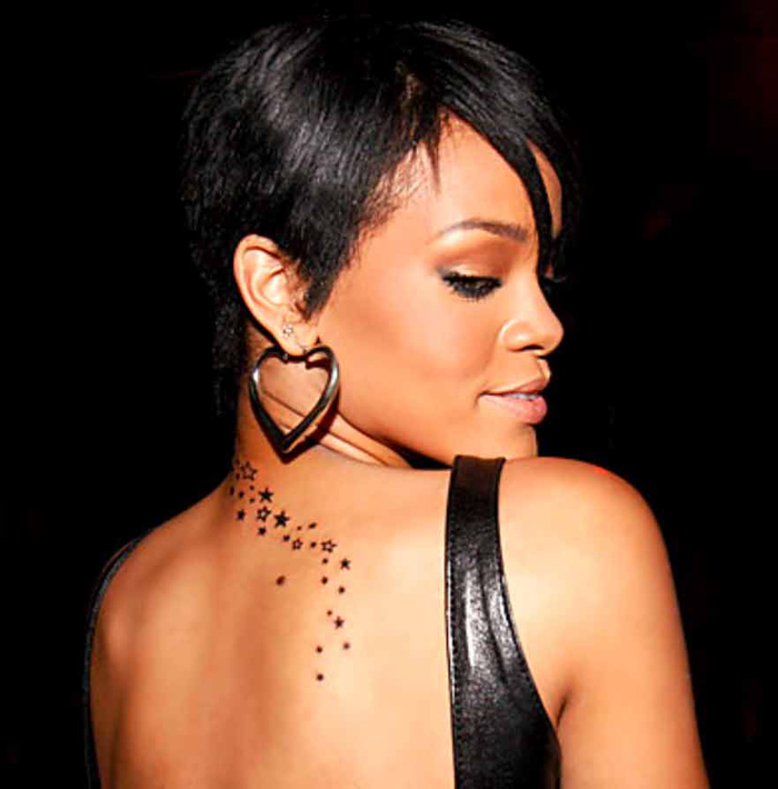 tatouage rihanna, tattoo nuque de rihanna, tattoos hanche, cheville