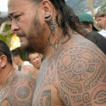 Tatau tahitien traditionnel