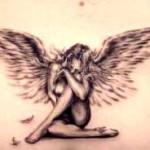 Modèle tatouage ange bas du dos