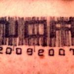Tatouage nuque code barre