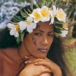 Tatouage sur le visage femme tahiti