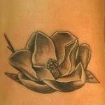 Modèle de tatouage fleur lotus sur la cheville