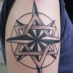 Modèle tatouage étoile de david et nautique entrelacées