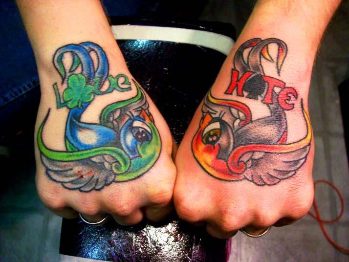 Mod le tatouage hirondelle symbolique de l 39 hirondelle - Tatouage a deux ...