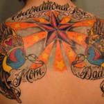 Tatouage étoile sur le dos