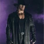 L'undertaker entre sur le ring