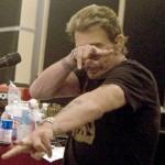 Tatouage sur les bras de Johnny Hallyday