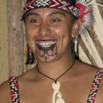 Tatouage Moko pour femme néo-zélandaise Maori