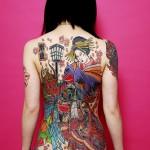 Tatouage japonais Geisha dans le dos