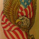Tatouage militaire aigle drapeau USA