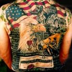 Tatouage militaire patriotique américain sur tout le dos