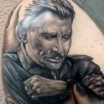 Tatouage portrait en Noir et blanc de Johnny Hallyday par Manu tattoo