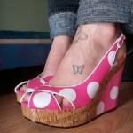 Tatouage de papillon sur le pied
