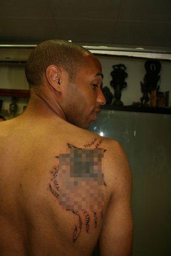 Tatouage Poignet Femme Symbole