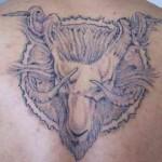 Modèle de tatouage de bélier dark, sataniste