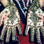 tatouage traditionnel au henné sur les mains
