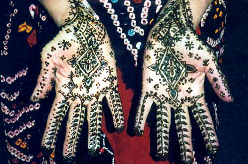 Tatouage Henne Sur Les Mains Les Pieds Symbolique Origine Et