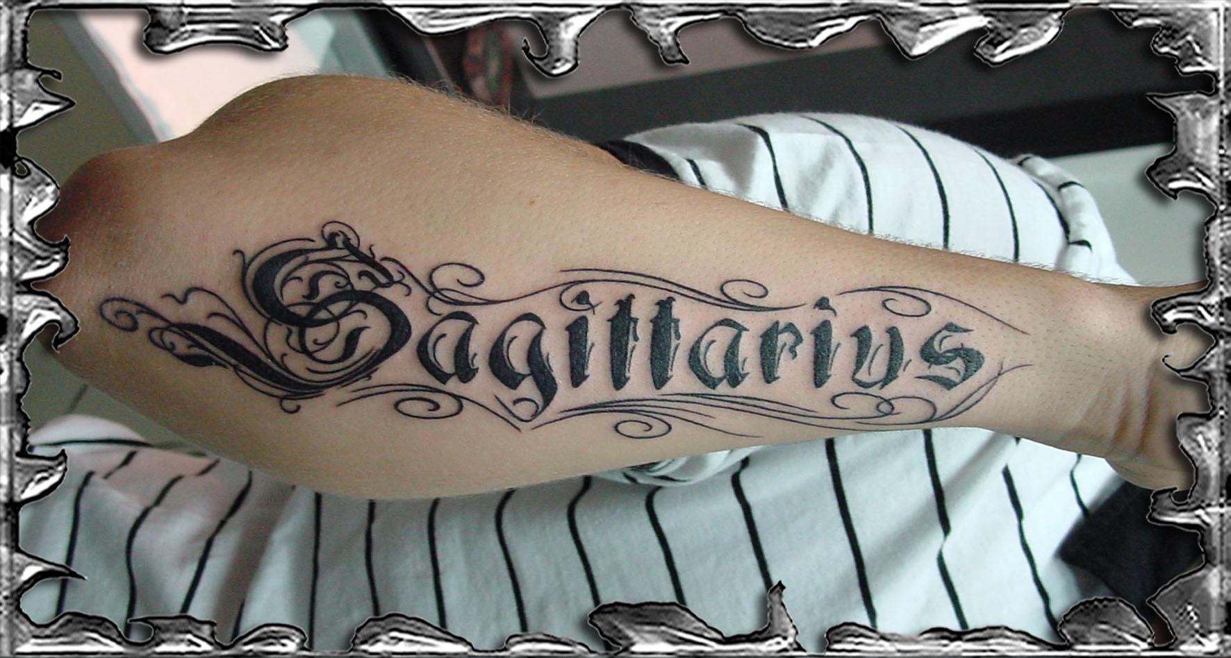 TATOUAGE ECRITURE SUR HOMME Modle de tatouage de title=