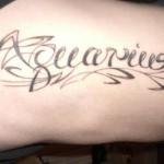 Modèle de tatouage de verseau ecriture