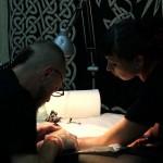 Alban Essex, tatoueur chez Marquis Body Art