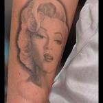 Megan Fox souhaite enlever son tatouage