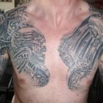 tatouage biomécanique pour homme