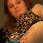 tatouage cuisse en cours