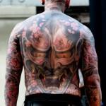 tatouage integral dos et crane