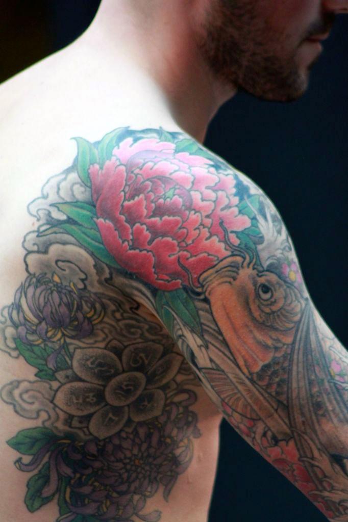 Tatouage japonais homme epaule tattoo tatouages com for Carpe chinoise prix
