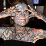Julia Gnuse, une des femmes les plus tatouees au monde