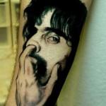 tatouage insolite du nez de Zappa