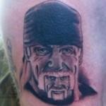 Tatouage raté de Hulk Hogan dans la barbe de Hulk Hogan !