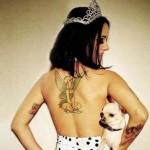 tatouage Alyzée : fée clochette dans le dos