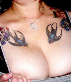mod le tatouage hirondelle symbolique de l 39 hirondelle tatouage old school tattoo couleur. Black Bedroom Furniture Sets. Home Design Ideas