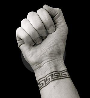 tatouage poignet mod le de tatouage au poignet bracelet. Black Bedroom Furniture Sets. Home Design Ideas