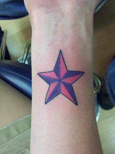 tatouage étoile old school, modèle de tatouage d'étoiles nautique
