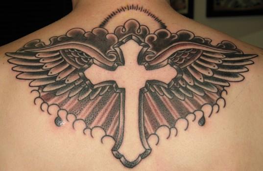 tatouage croix old school, tatouage de croix, crucifix, rosaire