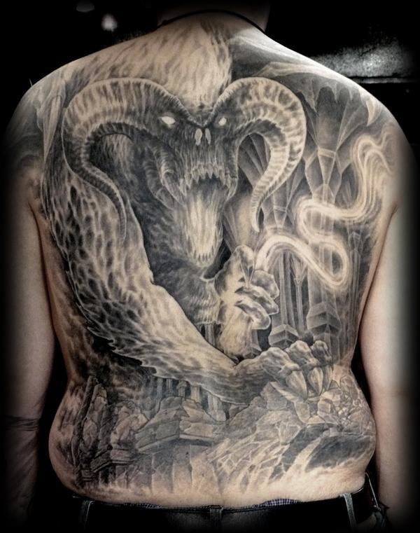 tatouage en noir et blanc tatouage noir et d grad s de. Black Bedroom Furniture Sets. Home Design Ideas