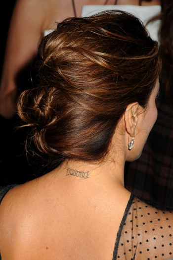 tatouage eva longoria elle enl ve ses tattoos pour tony parker tattoo tatouages com. Black Bedroom Furniture Sets. Home Design Ideas
